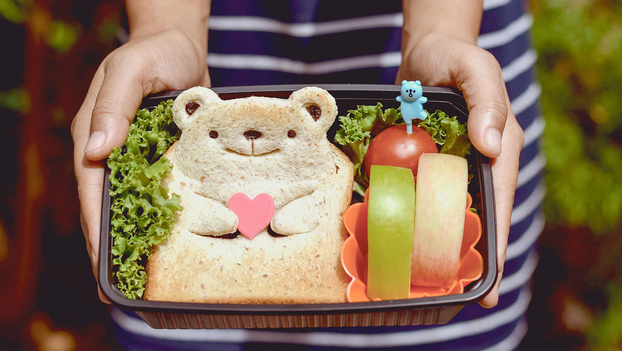 How to pack a healthy lunch box for children